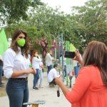 Arrancan campaña rehabilitando parques y alimentando animales de la calle.